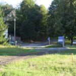 Torowisko w pobliżu Uniwersytetu Śląskiego jest praktycznie na poziomie ul. Bielskiej. Wjazd na drogę rowerową byłby łatwy i wygodny.
