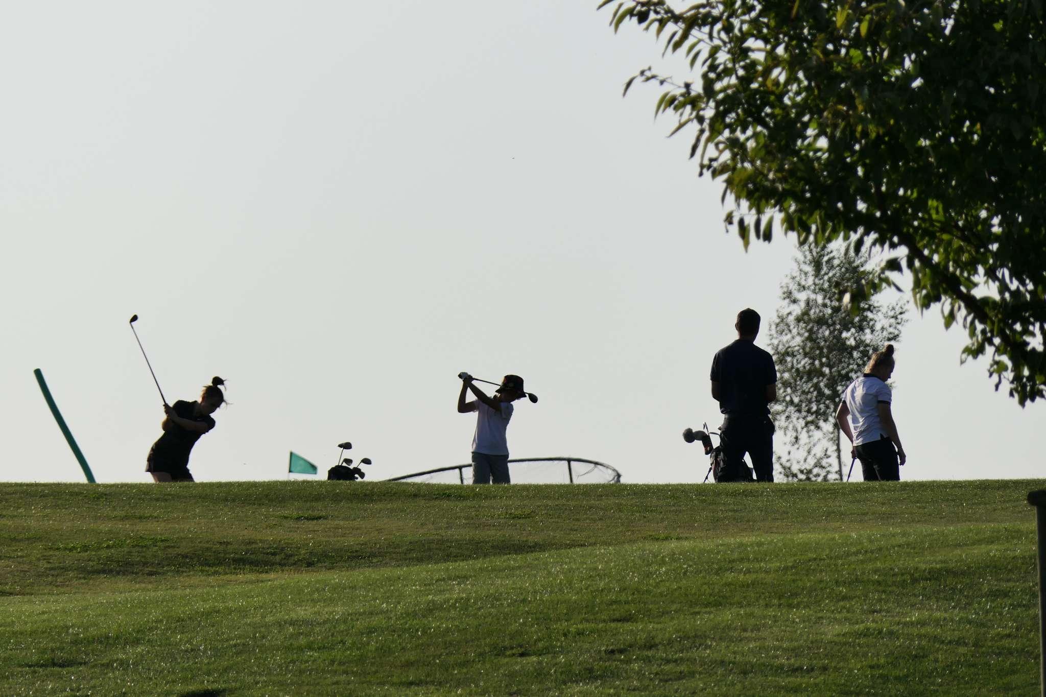 Pole golfowe w Ropicy. W Czechach to sport rodzinny.